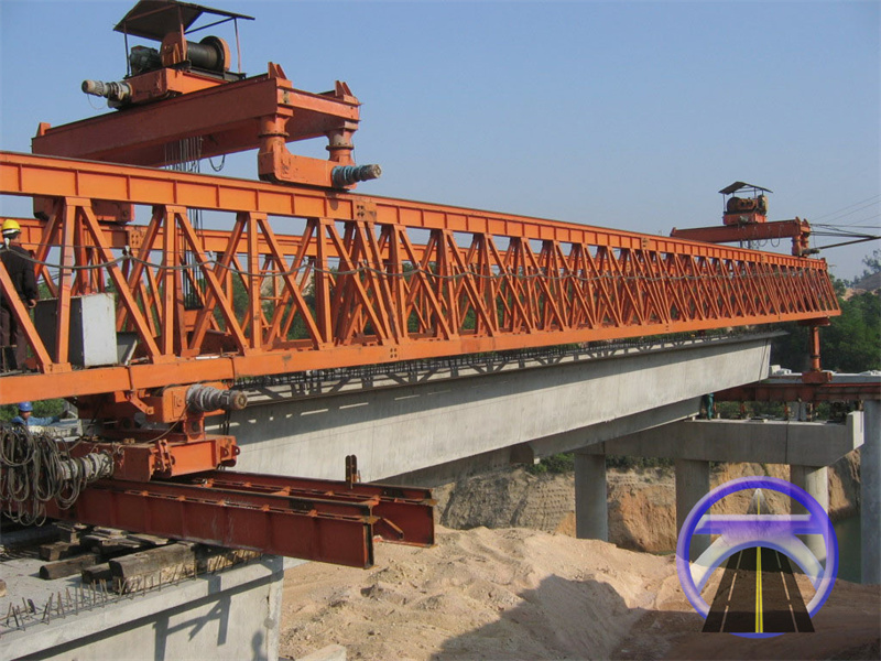 150T桁架式架桥机